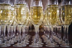 Cannelures de Champagne dans les vacances Photographie stock libre de droits