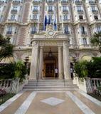 Cannes - entrada dianteira de Carlton Hotel fotografia de stock royalty free