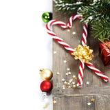 Cannes et décorations de sucrerie de Noël Photos libres de droits