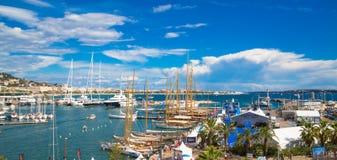 Cannes, Francia Le Vieux Port di Cannes Festival di navigazione da diporto di Cannes immagine stock libera da diritti