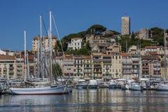 Cannes gammal Town - söder av Frankrike Arkivfoton