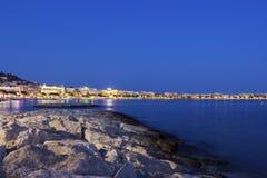 Cannes i Frankrike i aftonen Arkivfoto