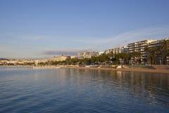 Cannes, opinión hermosa de la playa, Francia Imagenes de archivo