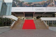 Cannes röd matta royaltyfri fotografi