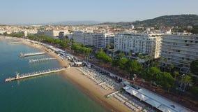 Cannes, widok z lotu ptaka nad croisette przy wschodem słońca zbiory wideo