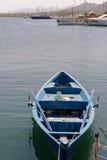 CANNIGIONE, SARDINIA/ITALY - 5月17日:划艇在小游艇船坞 图库摄影