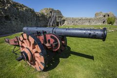 Free Cannon At Pevensey Castle In East Sussex Stock Image - 116678621