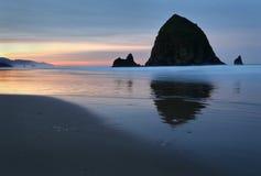 Cannon Beach, Haystack Rock Dawn, Oregon, USA Stock Photography