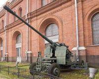 100- cannone antiaereo automatico KS-19 di millimetro Immagini Stock