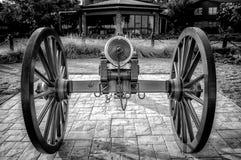 Cannone a chiaro AL del punto 2 B&W Fotografia Stock