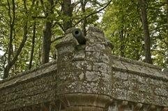 Cannone su una parete del castello al castello di Dunrobin, Immagini Stock