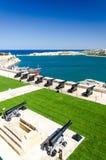Cannoni ai giardini della st James Counterguard Barrakka, La Valletta, mA immagini stock libere da diritti
