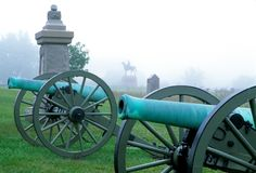 Free Cannons In A Fog At Gettysburg Stock Images - 3202514