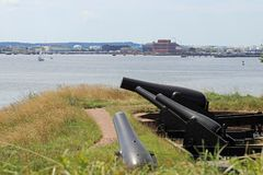 Cannons by the river Royalty Free Stock Photos