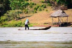 Canoë en bois du fleuve San Juan Photo libre de droits