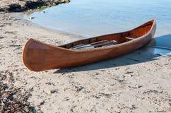 Canoë sur une plage dans Majorca Photo libre de droits