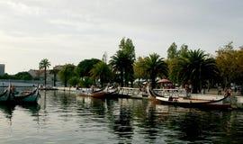 Canoës à Aveiro, Portugal photographie stock libre de droits
