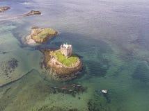 Canoës aériens recueillant autour du rôdeur historique de château dans Argyll image libre de droits