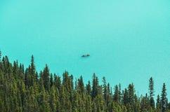Canoës chez Lake Louise de au-dessus de 1 photos stock