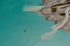 Canoës chez Lake Louise de au-dessus de 4 photo libre de droits