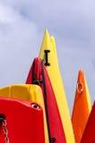 Canoës colorés photographie stock