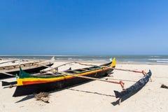 Canoës de tangon malgaches photo stock