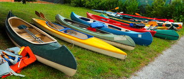 Canoës et kayaks image stock