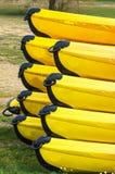 Canoës jaunes en gros plan Photos libres de droits