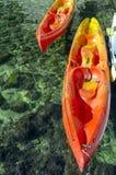 Canoës sur l'eau photographie stock