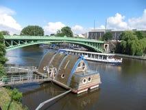 Canoës sur l'Erdre à Nantes images stock