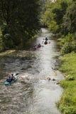 Canoës sur la rivière photo stock