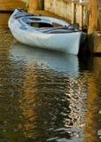Canoa blu Fotografia Stock