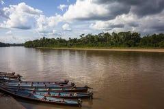 Canoa de madeira no porto fluvial Imagem de Stock Royalty Free