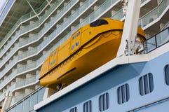 Canoa de salvação do grande navio de cruzeiros - foto conservada em estoque Fotografia de Stock