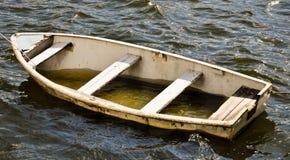 Canoa de salvação gotejante Fotografia de Stock
