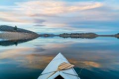 Canoa di inverno che rema in Colorado Fotografia Stock
