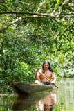 Canoa di legno nazionale immagini stock