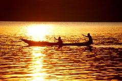 Canoa en el lago Imágenes de archivo libres de regalías