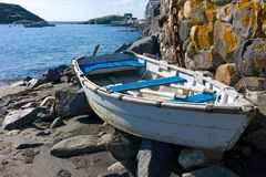 Canoa en la playa de la nadada, Monhegan Imágenes de archivo libres de regalías