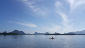Canoa na lagoa Fotos de Stock