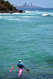 Canoa nel paradiso dei surfisti - Queensland Australia Fotografie Stock