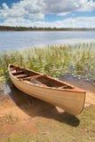 Canoa nella libertà tropicale di esperienza di paradiso Fotografie Stock
