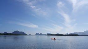 Canoa sulla laguna Fotografie Stock