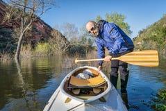 Canoa superior do paddler e da expedição Imagem de Stock Royalty Free