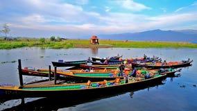 Canoas do turista no lago Inle, Myanmar filme