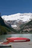 Canoas em Lake Louise Imagens de Stock