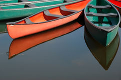 Canoas no lago Dows em Ottawa fotografia de stock royalty free