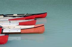 Canoas no lago esmeralda Fotografia de Stock