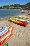 Canoe alla spiaggia Immagini Stock Libere da Diritti