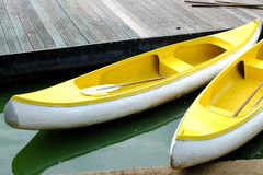 Canoe gialle Fotografia Stock Libera da Diritti